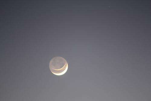 A_crescent_moon_010